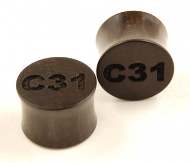 Custom engraved ear plugs > modern lettering